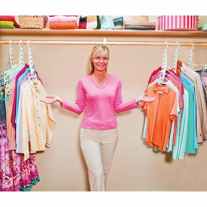 Suport organizator de umerase pentru haine